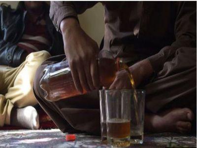 د پاکستان د سند صوبې په حېدراباد ښار کې د خامو شرابو د څښلو له کبله څلور تنه مړه شوي