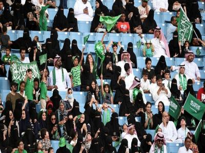 سعودي عربستان کې د ښځینه لوبغاړو ترمنځ سیالۍ ترسره کیږي