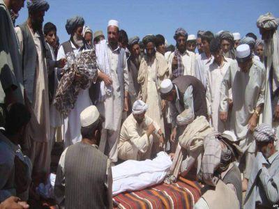 بشري حقونو خپلواک کمېسیون: هلمند کې هوایي بریدونو ۱۰ ولسي افغانانو ته مرګ ژوبله اړولې ده